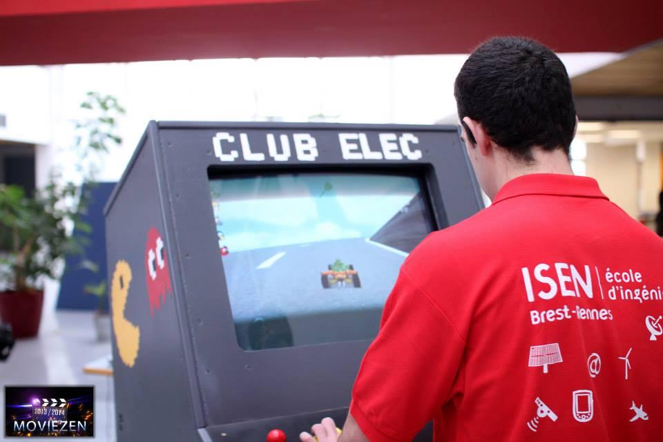 Clubs étudiants ISEN Brest, club elec, jeux vidéos, imprimante 3D,